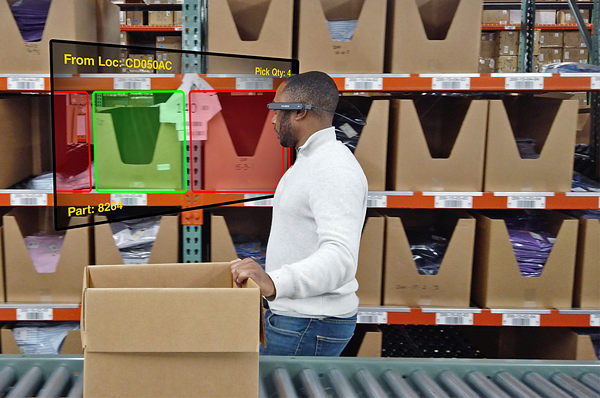 LogistiVIEW worker seeing an AR visual.